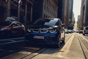BMW、動力電池センター2期が稼働、自動車メーカーがEV開発の主導権を争う