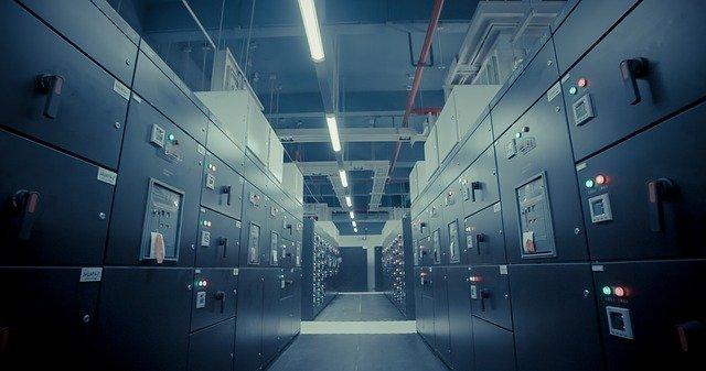 テスラ、中国にデータセンターを設立へ
